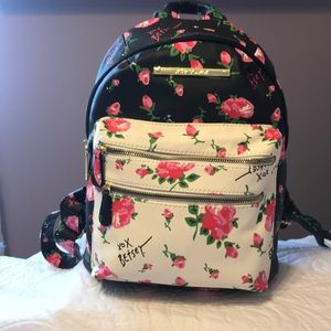 So pretty! Betsy Johnson backpack.🔥
